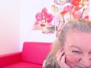 Sexy live cam screenshot of natalicloud's webcam / video chat room