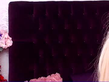 Sexy live cam screenshot of karenherrerax's webcam / video chat room