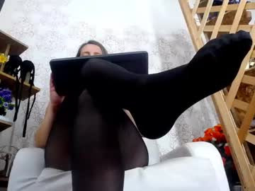 Sexy live cam screenshot of mishayannic's webcam / video chat room