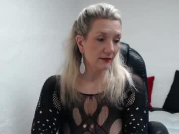 Sexy live cam screenshot of sandybigboobs's webcam / video chat room