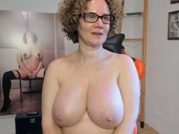 Sexy live cam screenshot of palaustudio's webcam / video chat room